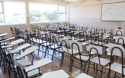 Universitarios podrían volver a clases presenciales en junio