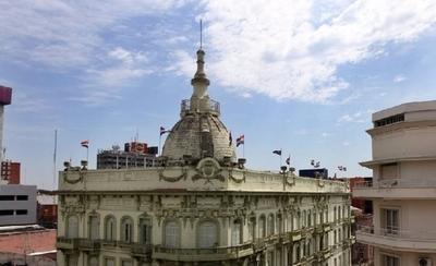 HOY / Paraguay se en deuda y no explica en qué, cuestionan
