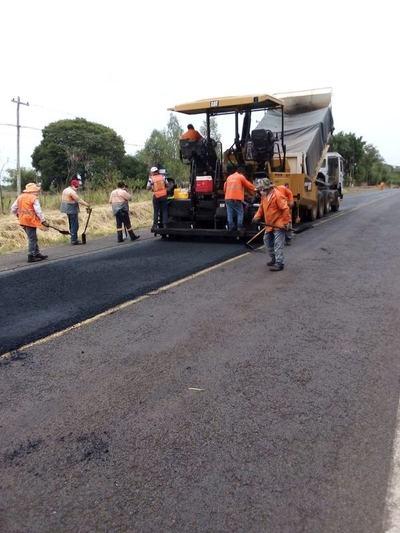 Avanzan obras en la ruta PY22, en el tramo Puerto Rosario- Arroyo Tapiracuai