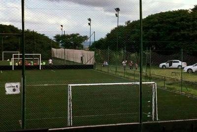 Habilitan el fútbol en el sintético en plena pandemia