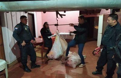 Supuestos abigeos abandonan carne faenada tras ser descubiertos por policías