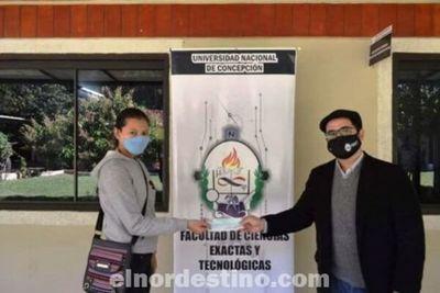 Se realizó la entrega de becas de ayuda económica a estudiantes de la Universidad Nacional de Concepción