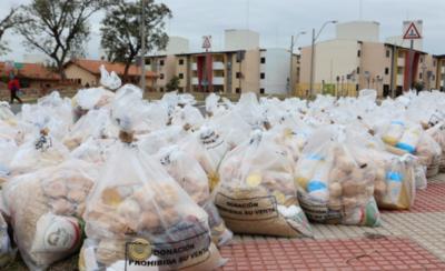 HOY / Distribuyen kit de alimentos a los pobladores del barrio San Francisco