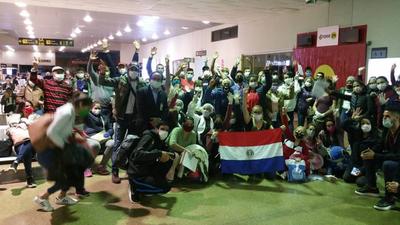 Repatriaron 104 connacionales de Bolivia