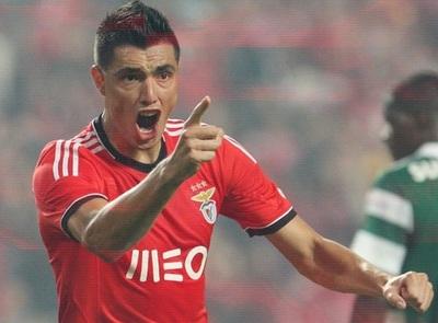Tacuara dice que estuvo cerca del Arsenal y que no ganó mucho dinero