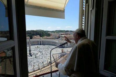 No canten victoria sobre el coronavirus tan pronto, advierte el Papa a los italianos