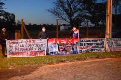 Hurrero del clan ZI increpó a los manifestantes que pedían justicia