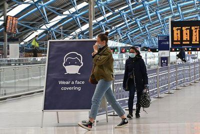 Entra en vigor en Reino Unido la cuarentena a los visitantes que lleguen del extranjero