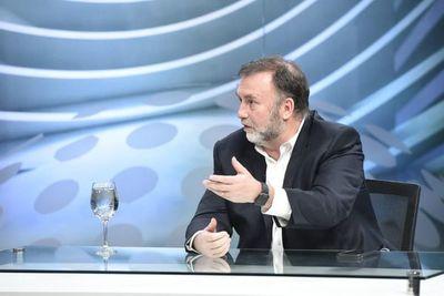 Ministro de Hacienda dice estar en desacuerdo con que se toquen las reservas de IPS