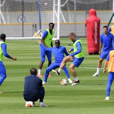 Kanté vuelve al entrenamiento