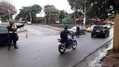 Céntrica calle que lleva a la ruta Luque-San Ber, vuelve a ser doble sentido • Luque Noticias