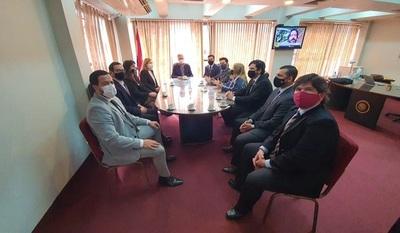 Fiscales de Anticorrupción se reúnen con presidente del JEM por constantes amedrentamientos