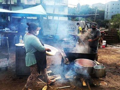 Mil ollas populares dan alimento a miles de personas en Ciudad del Este