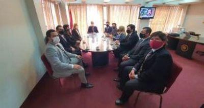 Fiscales revelan presión para apartarlos de investigaciones de corrupción pública