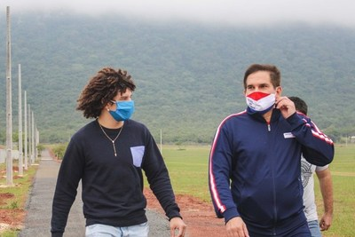 Destacados deportistas del departamento de Paraguarí visitaron las obras del futuro Parque Ecológico y Recreativo