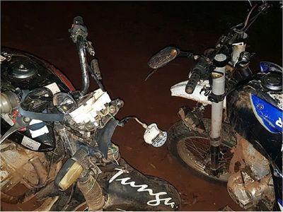 Violento choque entre motos dejaun fallecido en Itapúa