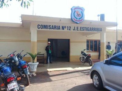 Policia acusado de violencia se presentó en la Comisaria