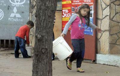 La pandemia puede empujar a millones de niños vulnerables al trabajo infantil, recuerdan