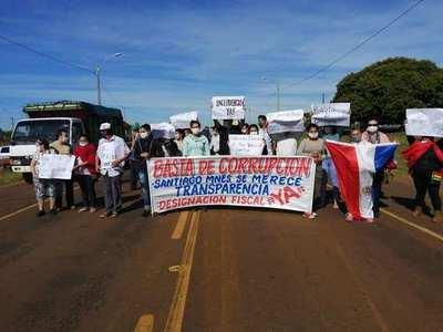 Misiones; santiagueños cerrarán hoy ruta PY01, piden designación fiscal para investigar al intendente Ignacio Larré