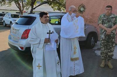 Arzobispo de Asunción insiste y quiere a más gente en los templos