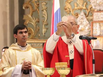 Arzobispado no está de acuerdo con que asistan solo 20 fieles por misa