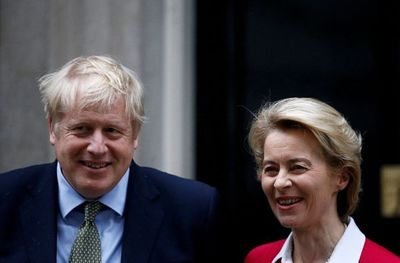 """La UE y el Reino Unido acuerdan un """"nuevo impulso"""" a la negociación del Brexit para sacarla del punto muerto"""