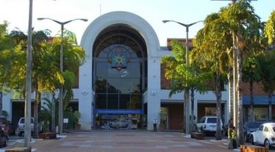 Asaltan local de comida rápida en un shopping de Asunción