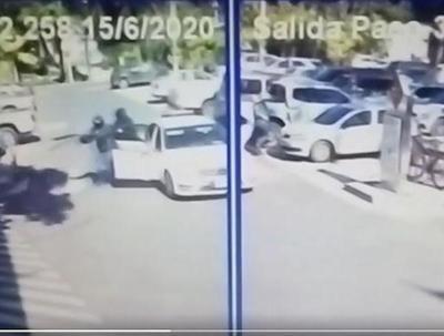 Asalto tipo comando en estacionamiento de un shopping en Asunción