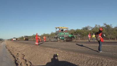 Alto Paraguay: Reconocen que obras viales generan fuente de trabajo a pobladores