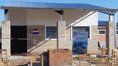 Gobernación inauguró aulas en escuelas indígenas de Puerto Casado