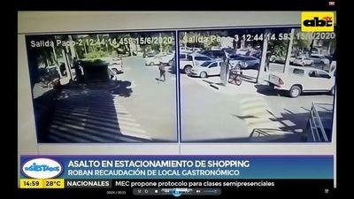 Asalto en estacionamiento de Shopping