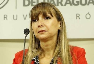"HOY / Despotrican contra 'mundo paralelo' de ministra Bacigalupo: ""Ofende y molesta su percepción"""