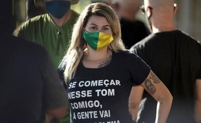 HOY / Detienen a Sara Winter, detractora del feminismo y militante partidaria de Bolsonaro