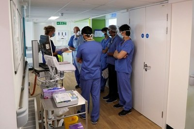Reino Unido suministrará dexametasona a miles de pacientes luego de confirmar que salva vidas de enfermos de COVID-19