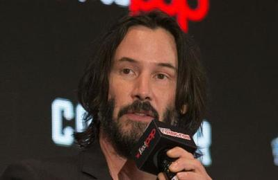 Subastan una cita con Keanu Reeves para obras de caridad