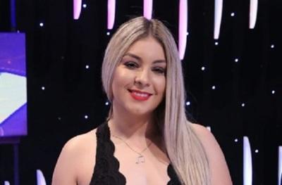 Justicia paraguaya condena a la cantante Fátima Román