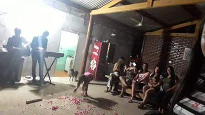 """""""Serenata"""" en casa de la intendenta de San Carlos del Apa en plena cuarentena"""