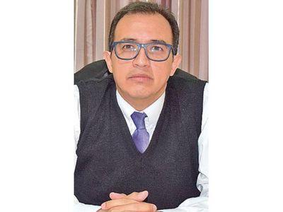 Juez Méndez niega denuncias y habla de intención política