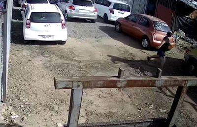 Brasileño ataca a tiros a vendedor  de autos en Ñemby y luego escapa
