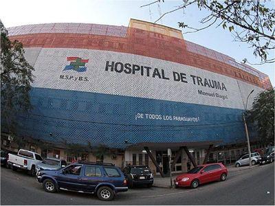 Joven baleado en Ñemby está estable en el Hospital de Trauma