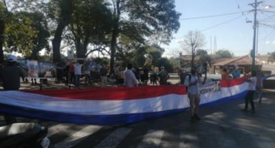 HOY / Pobladores de Ñemby exigen la salida del intendente Lucas Lanzoni