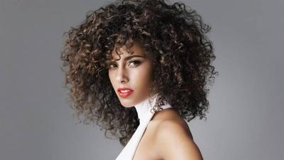 """HOY / Alicia Keys aborda la violencia policial en su canción """"Perfect Way to Die"""""""
