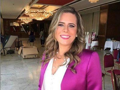 ¡Periodista se le declaró a la diputada Kattya González!