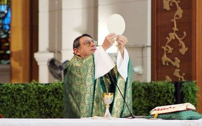 Desesperación ha llegado a hogares a causa del coronavirus, dice obispo