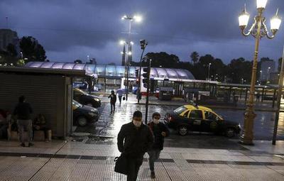 Argentina alcanza los 1000 muertos por coronavirus