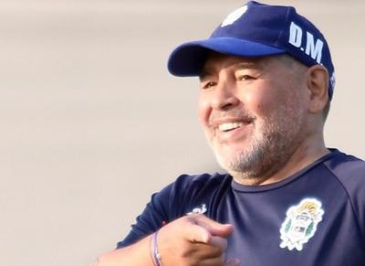 """""""Maradona casi vino al Olimpia"""", según """"Loco"""" González"""