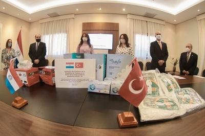 Importante donación de Turquía arriba a Paraguay