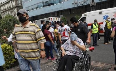 HOY / Sismo de magnitud 7,5 deja 5 muertos en México y se avivan los fantasmas del 2017