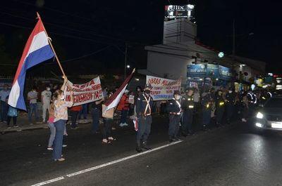 Incidentada manifestación contra la familia Lanzoni en Ñemby