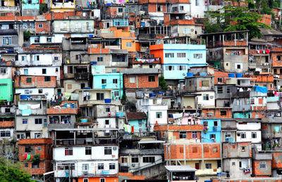 El 35 % de familias en favelas de Brasil perdió toda la renta por la pandemia